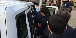 İntihar etmek isteyen vatandaşı polis ikna ett