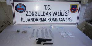 Uyuşturucu ihbarı alınan araçtaki şüpheli ortaokul müdürü çıktı