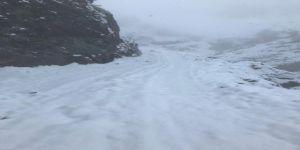 Kar nedeniyle kapanan 5 köy yolu ulaşıma açıldı