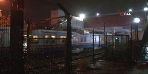 Zeytinburnu metrosu raylarına genç bir kızın atlaması nedeniyle seferler durdu