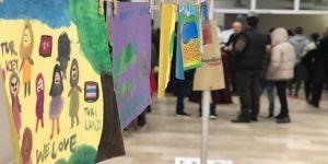 Üç kıtanın yetim çocukları acılarını resmetti