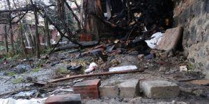 Suriyelilerin mangal keyfi iki evi küle çeviriyordu