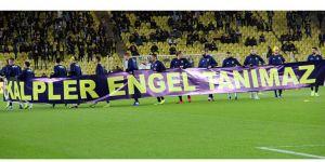 Fenerbahçe'den anlamlı pankart