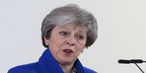 Theresa May'e Parlamento'dan darbe