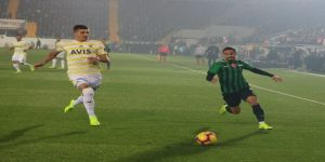 Spor Toto Süper Lig: Akhisarspor: 1 - Fenerbahçe: 0 (İlk yarı)