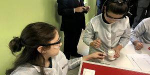Çocukların bilimi öğrenmesi için Türkiye'de açıldı