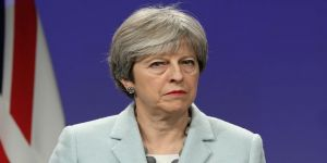 Theresa May, güvenoyu aldı