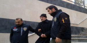 Vatan Şaşmaz'ı öldürerek intihar eden Filiz Aker'in ağabeyi gözaltına alındı