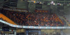 Galatasaray taraftarı deplasmanda takımını yalnız bırakmadı