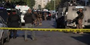 Diyarbakır'da çatışmada yaralanan polis memuru şehit düştü