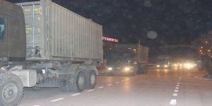 Suriye'ye askeri sevkiyat akşam saatlerinde hızlandı