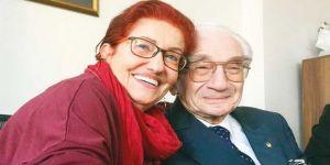 Alaeddin Yavaşça ve eşi evlilik yıldönümünü hastanede kutladı