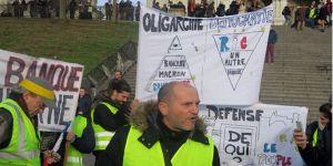 Fransa'da 'Kırmızı kalemliler' örgütleniyor