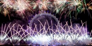 Londra yeni yıla havai fişek gösterisiyle girdi