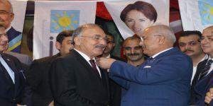 MHP'den istifa eden Mersin Büyükşehir Belediyesi Meclis üyeleri İYİ Parti'ye geçti