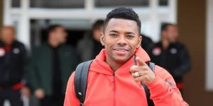 Robinho, Medipol Başakşehir'e transferini duyurdu