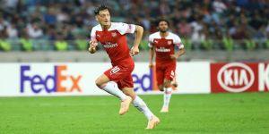 Mesut Özil, Milan'ı karıştırdı