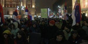 Hükümet karşıtı protestolar devam ediyor