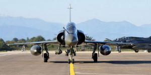 Savaş uçağı radardan kayboldu