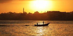 İsrail, Filistinli 2 balıkçıyı gözaltına aldı