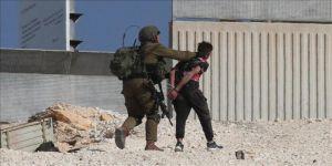İsrail askerleri, Filistinli 2 çocuğu gözaltına aldı