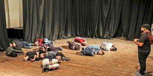 Kuşatma altında Filistin Tiyatrosu
