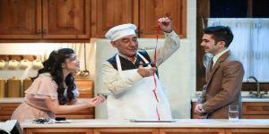 Şener Şen, 14 yıl sonra tiyatro sahnesine döndü: Biletler 2 saatte tükendi
