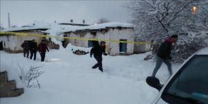 Metruk evde 2 el bombası bulundu
