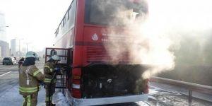 İki katlı halk otobüsünde yangın