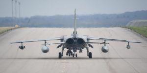 İngiltere, savaş uçaklarının sayısını azaltıyor