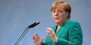 Merkel'den öz eleştiri