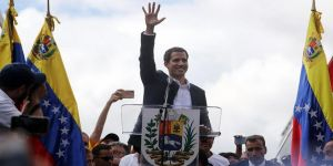Guaido kendini devlet başkanı ilan etti