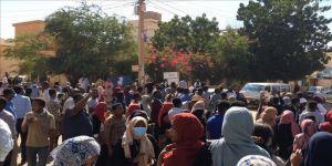 Sudan'daki gösteriler devam ediyor