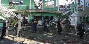 Camiye bombalı saldırı: 2 ölü