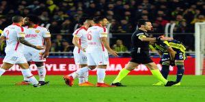 Mehmet Topal cezalı duruma düştü