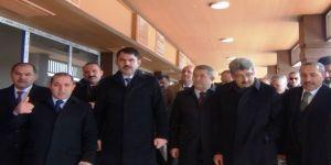 Bakan Kurum, Erciş'te incelemelerde bulundu