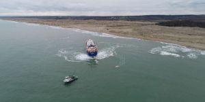 Karaya oturan gemi 2 günlük çalışma ile kurtarıldı