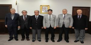 Emekli öğretim üyeleri Rektör Aldemir'i ziyaret etti