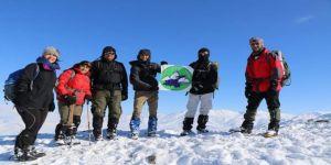 Vadi Doğa Sporları Kulübü gönüllüleri hem kaydı hem tırmandı