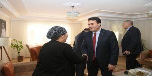 Mustafa Dündar şehit ailelerini ziyaret etti