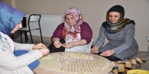 Kızıltepeli kadınlar mantı açarak aile bütçelerine katkı sağlıyor