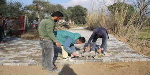 Nazilli Belediyesi Arslanlı'da yol çalışmalarına devam ediyor