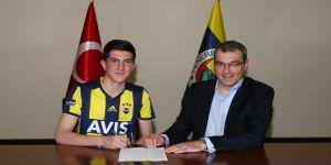 Fenerbahçe'de Osman Ertuğrul Çetin'e profesyonel sözleşme