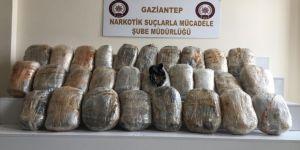 Narkotik köpeği 55 kilogram esrar buldu