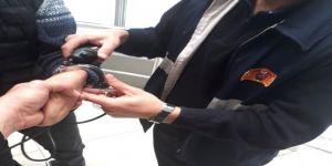 Engelli vatandaşı kelepçeden itfaiye ekipleri kurtardı