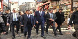 AK Parti Ortahisar ilçe başkanı Temel Altunbaş İçişleri Bakanı Süleyman Soylu'nun mitingine davet etti