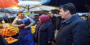 Dündar, Bakan Zümrüt Selçuk İle Birlikte Pazar Alışverişi Yaptı