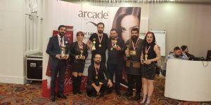 Malatyalı Kuaför Eroğlu, Birincilik Kupasıyla Döndü
