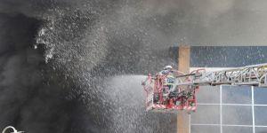 Aksaray'da Sucuk Fabrikasında Yangın: 5 İşçi Dumandan Etkilendi