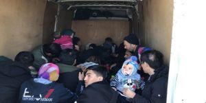 Balıkesir'de 37 Kaçak Afgan Göçmeni Yakalandı